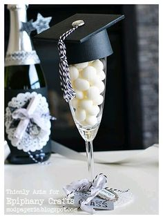 Dekoration Abschluss 39 creative graduation party decoration ideas for more fun - # graduation party Graduation Party Planning, Graduation Party Foods, College Graduation Parties, Graduation Celebration, Graduation Decorations, Graduation Party Decor, Graduation Photos, Grad Parties, Graduation Gifts