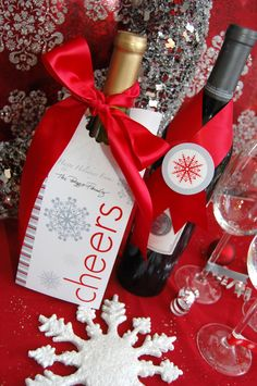 {Gifts from the kitchen} Snowflake Holiday Printable Mini Party Set CMPsnowflake. $8.00, via Etsy @paula