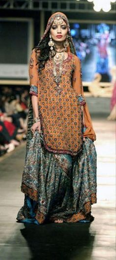 .Pakistani dress :lehangah