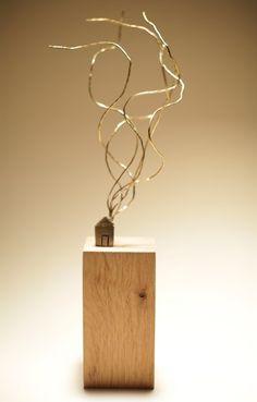 Humo (Smoke)   7 x 37 x 7 cm   Latón y roble (Brass and oak)   Pieza seriada de 20 unidades (20 pieces)   2013  http://www.marinaanaya.com