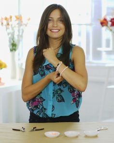 DIY Sequined-String Bracelets  Here's a new way to use sequins to make jewelry. Give it a try and make some for your friends