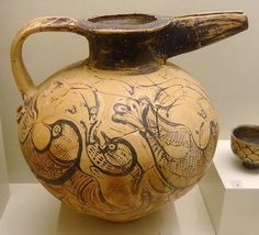 Painted beak jug with birds and fish (1450-1400 BC) from Katsambas exhibited in Heraklion, Crete, Greece Archaeological Museum