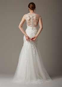 8 Hottest Trends From Bridal Fashion Week