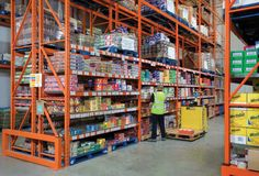 Castell Howell Foods, Wide Aisle Pallet Racking - Food Distribution