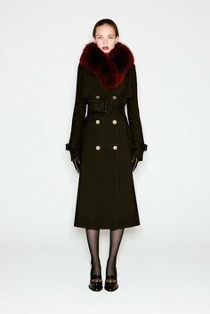 #fashion  #Koshchenets   #AlexanderMcQueen Alexander McQueen Pre-Fall 2016 Fashion Show