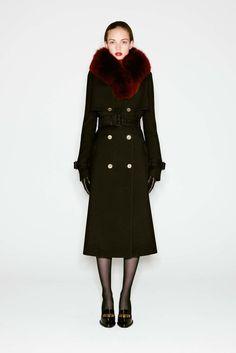 Alexander McQueen Pre-Fall 2016 Fashion Show