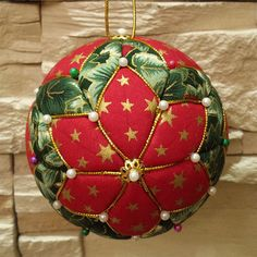 New sewing christmas decorations handmade gifts 32 ideas Quilted Christmas Ornaments, Christmas Cover, Fabric Ornaments, Christmas Craft Fair, Ornaments Design, Christmas Sewing, Christmas Baubles, Handmade Christmas, Homemade Christmas Decorations