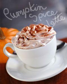 DIY Pumpkin Spice Latte #nationalcoffeeday #fall #pumpkin