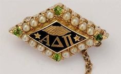 1928 peridot Alpha Delta Pi Alpha Delta, Sorority And Fraternity, Greeks, Peridot, Badges, College, Antiques, Antiquities, University