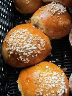 pulla, sweet finnish bun