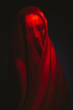 Dark Photography, Portrait Photography, Red Aesthetic, Aesthetic Pictures, Art Rouge, Photographie Portrait Inspiration, I See Red, Red Art, Pablo Picasso