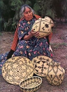 History of Native Americans Native American Baskets, Native American Beauty, Native American Photos, American Indian Art, Native American History, Native American Indians, Native Indian, Native Art, Ethno Style