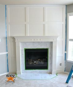 A dramatic fireplace makeover white moulding & black mantel – House of Hepworths – Farmhouse Fireplace Mantels Corner Fireplace Layout, Corner Fireplace Mantels, Brick Fireplace Makeover, Farmhouse Fireplace, Home Fireplace, Faux Fireplace, Fireplace Remodel, Fireplace Surrounds, Fireplace Design