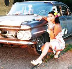 #rockabilly #rockabella #pinup #chevy59 #chevrolet #pencildress #hawaii #highheels #ratlook