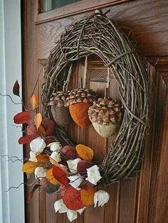 Burlap acorn/pinecone and grape vine wreath.