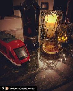 @glenfiddichwhisky bu kez de en yeni ve özel ekspresyonlarından biri olan XX ile oyunumuzda ----- #Repost @erdemmustafaorman with @repostapp  Glenfiddich Project XX ile #burkay_adalig ustadi selamliyorum  #bugunviskim #bugünviskim #meleklerinpayi @meleklerin_payi #glenfiddich #projectxx #whisky #whiskey #whiskylover #whiskytasting #viski #viskisever #viskikeyfi #viskitadimi #singlemalt #scotchwhisky #special #highquality @glenfiddichwhisky #trendtobacco