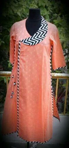 Best 12 Wouldn't this be a nice detail around a pocket? Salwar Designs, Kurti Neck Designs, Kurta Patterns, Dress Patterns, Sewing Patterns, Dress Neck Designs, Blouse Designs, Indian Attire, Indian Outfits