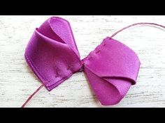 Ribbon Hair Bows, Diy Hair Bows, Fabric Bows, Fabric Flowers, Bow Accessories, Ribbon Crafts, How To Make Bows, Flower Making, Diy Hairstyles