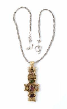 e0e18ba431 A Robert Goossens for Chanel necklace with a