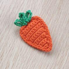 Crochet Keychain, Crochet Hooks, Crochet Baby, Free Crochet, Crochet Coaster, Mini Christmas Stockings, Easter Crochet Patterns, Crochet Brooch, Paintbox Yarn