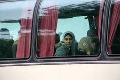 ΕΠΑΝΑΣΤΑΤΙΚΗ ☭ ΑΡΙΣΤΕΡΑ: Στα λεωφορεία παραμένουν 178 πρόσφυγες που αρνούντ...