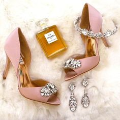 Glam it up! Bridal shoes, jewelry & accessories all in one place. See more here: https://perfectdetails.com/