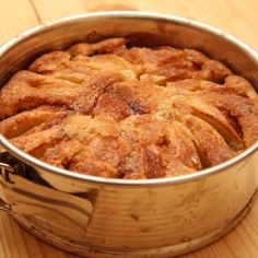 Norvég almatorta recept Apple Cake Recipes, Dessert Recipes, Torte Cake, Hungarian Recipes, Hungarian Food, Sweet Cakes, Sweet Desserts, Creative Cakes, Diy Food