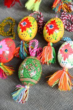 Hand-Painted Ukrainian Pysanky Egg(писанка, plural:pysanky also pisanki)