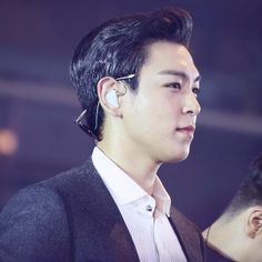 Who needs a sunglass case... 🔝💖 #choi_seung_hyun_tttop #TOP #최승현#탑 #ooak #bigbang #bigbangtop #TOPisTOP #LoveTOP #doomdada #fromtop…
