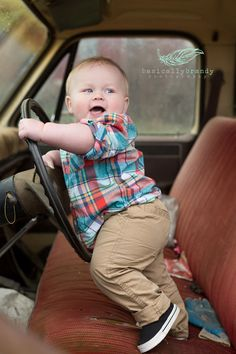 baby boy picture idea. baby poses. cute baby boy. photography.