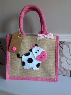 lunch bag/gift bag/new baby/birthday/christmas -Cow gift, felt motif jute bag. lunch bag/gift bag/new baby/birthday/christmas - Cow Gifts, Felt Gifts, Personalised Jute Bags, Sac Lunch, Hessian Bags, Jute Crafts, Fabric Bags, Kids Bags, Cloth Bags