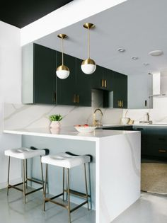 Iridescent finishes pastel shades and saturated pops of color define this very modern Color Form design trend with a minimal millennial edge. - March 03 2019 at Best Kitchen Designs, Modern Kitchen Design, Interior Design Kitchen, Modern Interior Design, Marble Kitchen Interior, Black Ikea Kitchen, Gold Kitchen, Kitchen World, Küchen Design