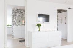 fastighetsbyran, http://trendesso.blogspot.sk/2015/06/white-wonderful-scandinavian-apartment.html