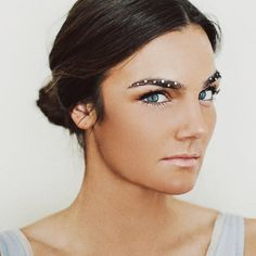 BROWS'in Around Bling Brows
