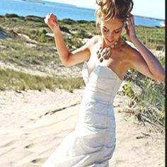 Nicole Miller Metal Taffeta Sweetheart wedding gown.  Wore this for my wedding in Maui, it's a perfect beach wedding dress!