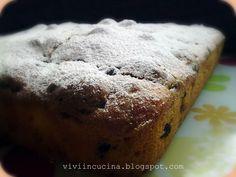 Questa torta si puo' fare sia con amaretti normali che morbidi.  La ricetta e'di Lau del forum di Cookaround.       Ingredienti:   300 gr fa...