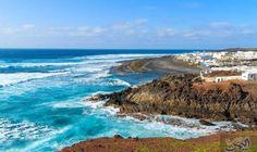 """شهر العسل في """"جزر الكناري"""" وجهة رائعة لذكريات لا تنسى: قبالة الساحل الشمالي الغربي لقارة افريقيا، تقع جزر الكناري الإسبانية ذات الطبيعة…"""