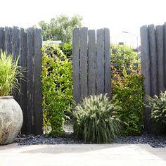 References- natural stone modern garden by mm naturstein gmbh modern Modern Garden Design, Contemporary Garden, Landscape Design, Backyard Fences, Garden Fencing, Backyard Landscaping, Screen Plants, Garden Screening, Patio Plants