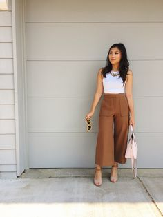 culottes - wen & wear - culottes – Source by engelsruf - Casual College Outfits, Cute Casual Outfits, Everyday Outfits, Stylish Outfits, Cullotes Outfit Casual, Cullotes Pants, Dress Indian Style, Looks Chic, Indian Designer Outfits