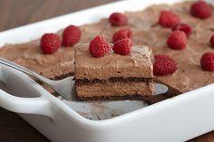 Πανεύκολο+σοκολατένιο+γλυκό+ψυγείου,+με+5+υλικά+της+στιγμής