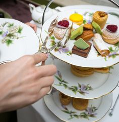 The sweet experience of the Herend Afternoon Tea includes treats such as the Hungarian Rigó Jancsi cake, Képviselő, plum strudel or the delicious French dessert, Macaron.
