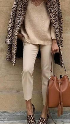 Leopard print fleece coat over tan Pants and pink cashmere sweater Source by fashion boho Mode Outfits, Winter Outfits, Casual Outfits, Fashion Outfits, Fashion Ideas, Summer Outfits, Fashion Clothes, Work Outfits Women Winter Office Style, Fashion Styles