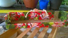 Floreira. Reciclagem de caixote de frutas com tecido.