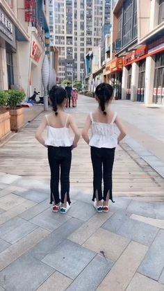Dance Choreography Videos, Dance Music Videos, Cool Dance Moves, Lets Dance, How To Shuffle Dance, Step Up Dance, Best Rap Songs, Wow Video, Best Funny Videos