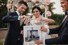 La ceremonia de la arena es un precioso ritual que representa la unión eterna de los novios. Si estás buscando un símbolo especial para el día de tu boda, esta es tu apuesta ganadora. ¡Seguro que te enamora!