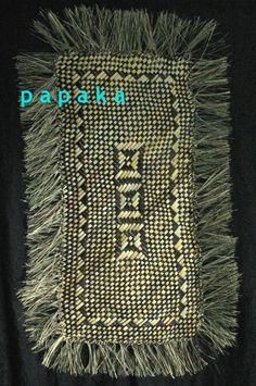 Tamaki Gold Wall Decor, Frame Wall Decor, Wall Art, Flax Weaving, Basket Weaving, Maori Patterns, Maori Art, Gold Walls, Weaving Patterns