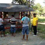 Bersama Warga Kerja Bhakti Perbaiki Pos Kamling