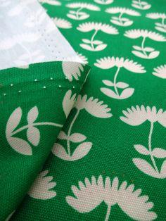 ▲綿(コットン) - 商品詳細 【処分セール】オックスプリント Fluff 110cm巾/生地の専門店 布もよう