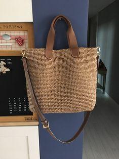 Round juta cord bag crochet tasseled handbag summer tote circular purse circle bags custom madeChina Mochila (on-line / MK) - Tudo em azhure . Crochet Star Stitch, Bag Crochet, Crochet Stars, Crochet Handbags, Jute Bags, Knitted Bags, Handmade Bags, Purses And Bags, Pouch