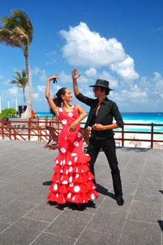 Happy #MexMonday! Want the latest scoop about Oasis Hotels & Resorts? Join our mailing list for exciting news, contests and giveaways!